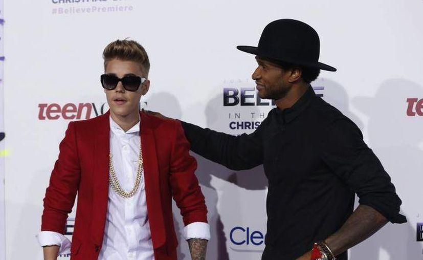 Justin Bieber y Usher grabaron 'Somebody to love' en 2010. (hollywoodtake.com)