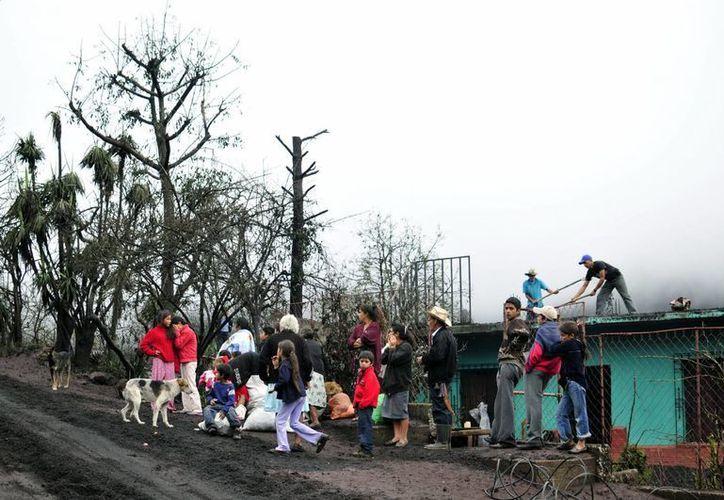 Las autoridades indicaron que se desalojará a habitantes en las zonas donde sea necesario. (Archivo/EFE)