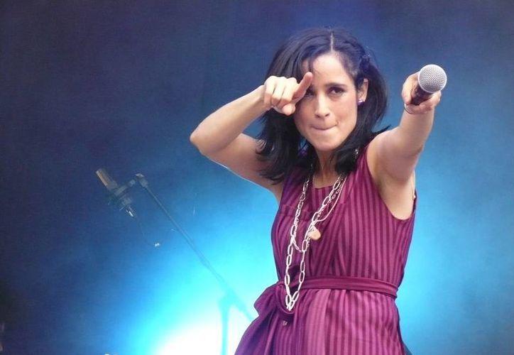 Julieta Venegas estrena video de su nuevo sencillo 'Ese camino'. (siempre889.com)