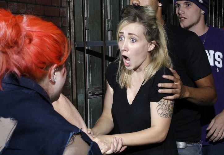 En foto del 25 de octubre del año en curso, actores asustan a los visitantes a la casa embrujada independiente en Las Vegas. (Foto: AP)