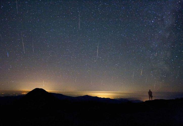 La actividad de esta lluvia de estrellas fugaces será de 60 meteoros por hora, que se desplazarán a velocidades cercanas a los 67 kilómetros por segundo. (Internet)