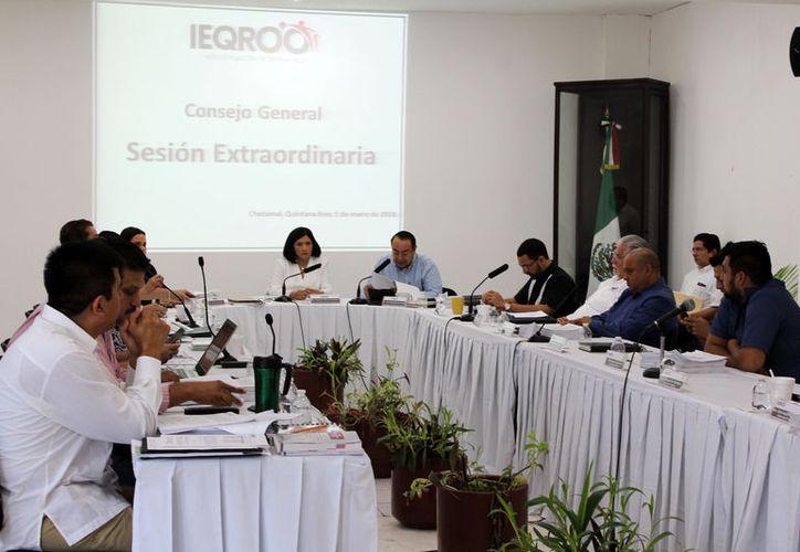 A más tardar el 6 de marzo, el Consejo General del Ieqroo realizará la declaratoria de procedencia o no de los registros. (Joel Zamora/SIPSE)