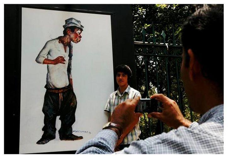 """Mario Laparade informó que, tras el éxito de la galería de fotos de """"Cantinflas"""" montada en el 2011 en las rejas de Chapultepec, la muestra volverá al DF en septiembre. (Archivo/EFE)"""