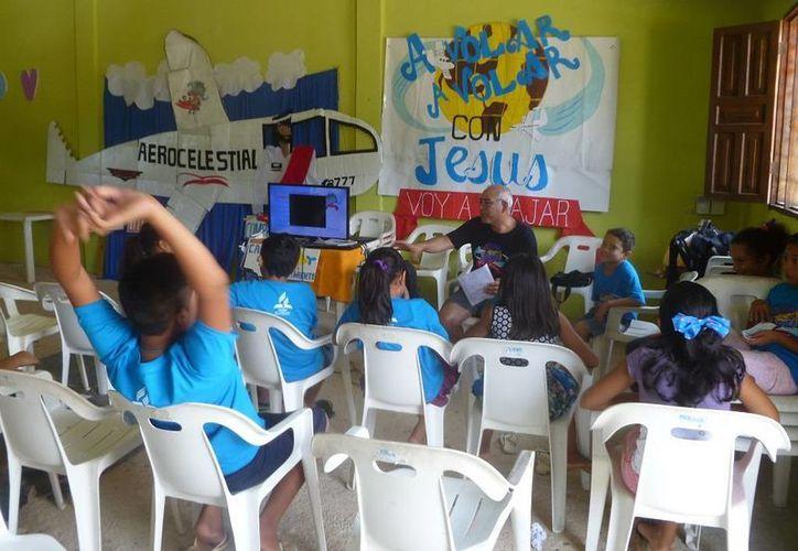 Las actividades se realizan en las instalaciones de la Casa Ejidal. (Raúl Balam/SIPSE)