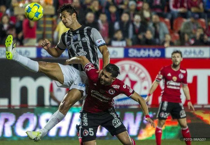 Un doblete de Riaño guió a Rayos de Necaxa a un triunfo sobre Xolos de Tijuana en la apertura de la jornada 6 de la Liga MX. (futboltotal.com.mx)