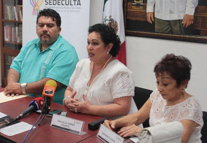 Por su aportación a la danza, la yucateca Graciella Torres Polanco (c) será reconocida en Bellas Artes en la capital del país. (Cortesía)