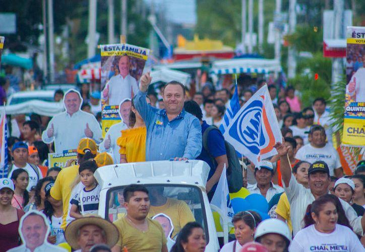 En su gira previa por las comunidades mayas, fue recibido en Dzulá, Laguna Kanab y Yoactún. (Redacción/SIPSE)