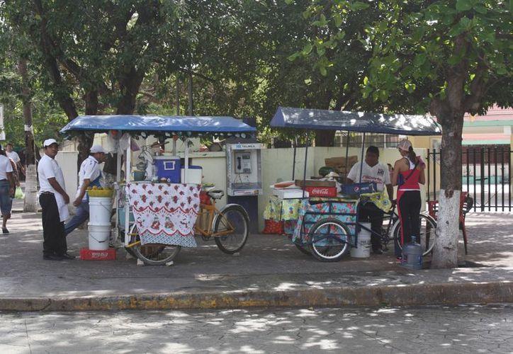 Censarán a los comercios informales instalados en la ciudad. (Alida Martínez/SIPSE)