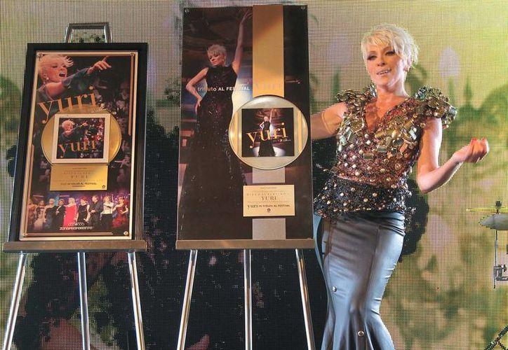 Yuri afirma que esta etapa de rendir tributo la ha consagrado como artista en el marco de los casi 40 años de carrera artística. (SIPSE)
