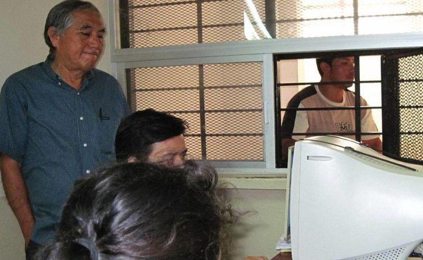 El sexoservidor sonorense Lázaro Martínez Sánchez durante el careo con la nieta de su víctima. (Francisco Puerto/SIPSE)