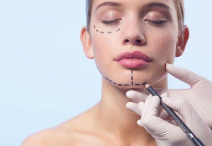 En la actualidad existen procedimientos no invasivos que permiten una recuperación pronta y resultados con apariencia natural, en manos de especialistas. (Contexto/Internet)