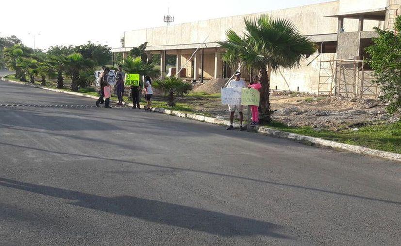 Los vecinos exigen se dé marcha atrás a ese proyecto en una zona residencial. (SIPSE)