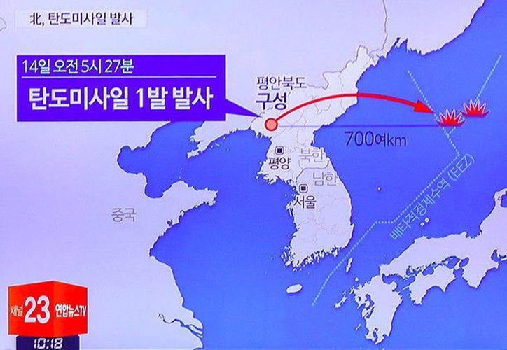 Corea del Norte lanzó un misil balístico desde una zona en la vecindad de Kusong, en la provincia de Pyongan del Norte. (AFP).