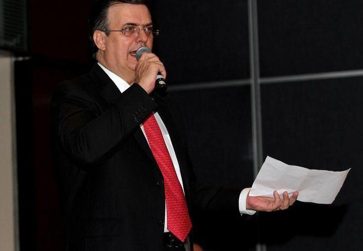 Marcelo Ebrard, exjefe del gobierno del D.F. presentó su renuncia al PRD hoy viernes por la mañana. (Notimex)