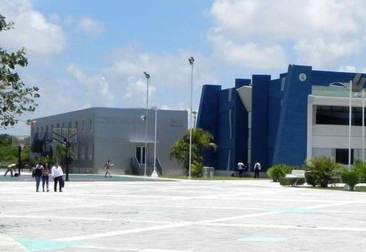 La Universidad Tecnológica de Cancún ha ofrecido estos cursos al alumnado y al público en general. (Redacción/SIPSE)