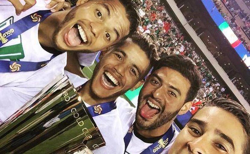 Los jugadores del tricolor disfrutaron del Caribe mexicano. (Carlos Vela/Twitter)