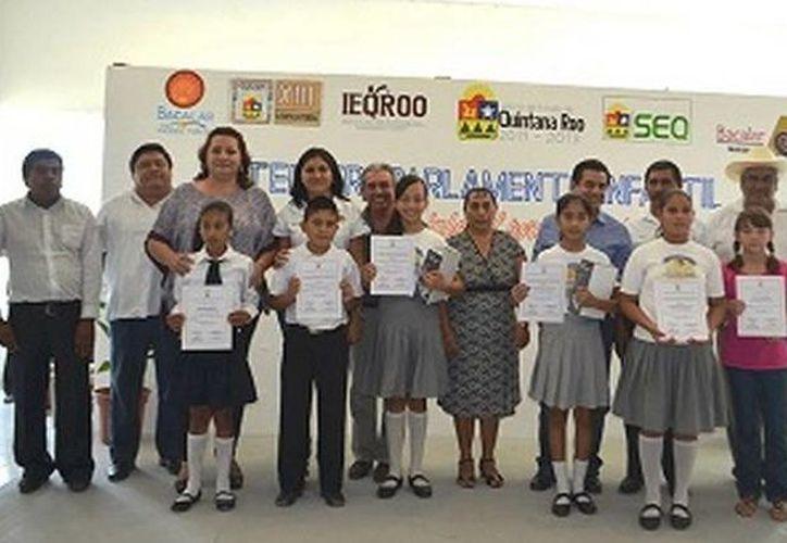 Los participantes seleccionados recibieron premios e incentivos por parte del Concejo municipal de Bacalar. (Redacción/SIPSE)
