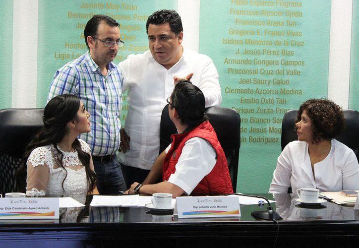 Para algunos legisladores, el hecho de cumplir con los requisitos no es una garantía ni un obligación de aceptar la petición. (Joel Zamora/SIPSE)