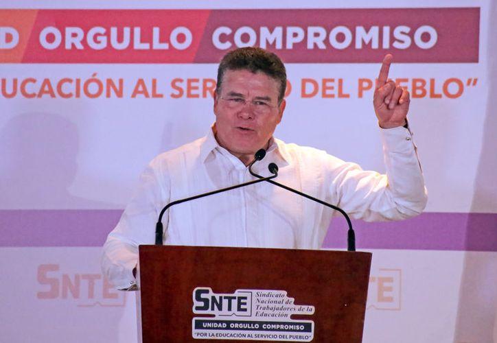 Juan Díaz de la Torre encabezará a la SNTE hasta 2024.