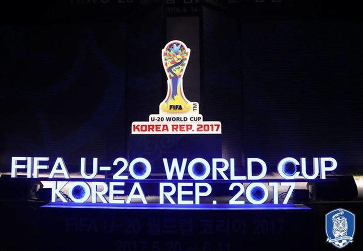 Se presentó el emblema y lema oficial de la Copa Mundial Sub-20 2017 de la FIFA, que tendrá lugar en la República de Corea del Sur del 20 de mayo al 11 de junio. (@theKFA)