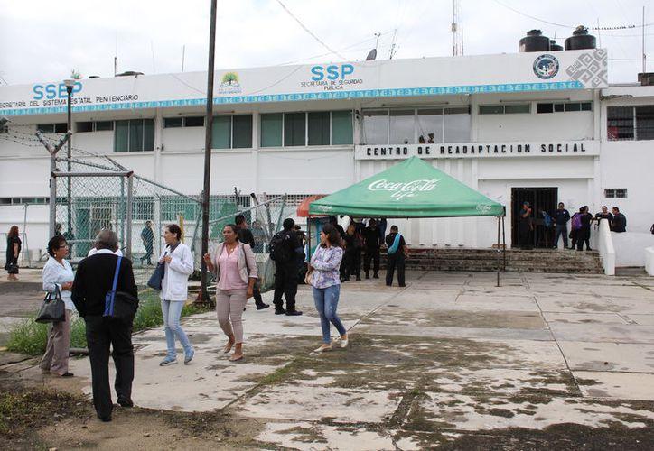El personal administrativo informo extraoficialmente que recibieron instrucciones de no entrar, alrededor de las ocho horas. (Joel Zamora/SIPSE)