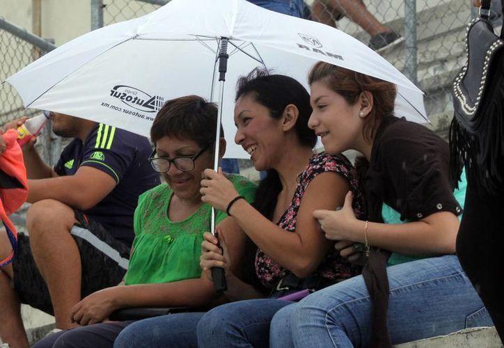 El sábado la lluvia estuvo presente en Mérida y otras zonas de Yucatán. (José Acosta/SIPSE)