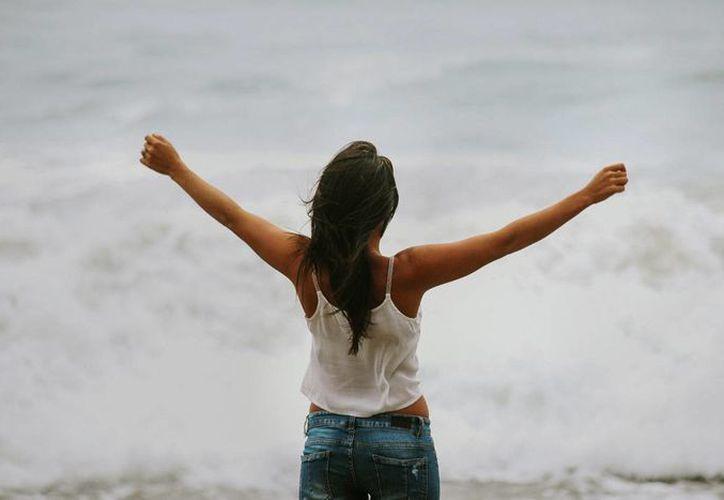 La gente inteligente prefiere trabajar más para conseguir sus metas, que estar con sus amigos. (Foto: Contexto/Internet)