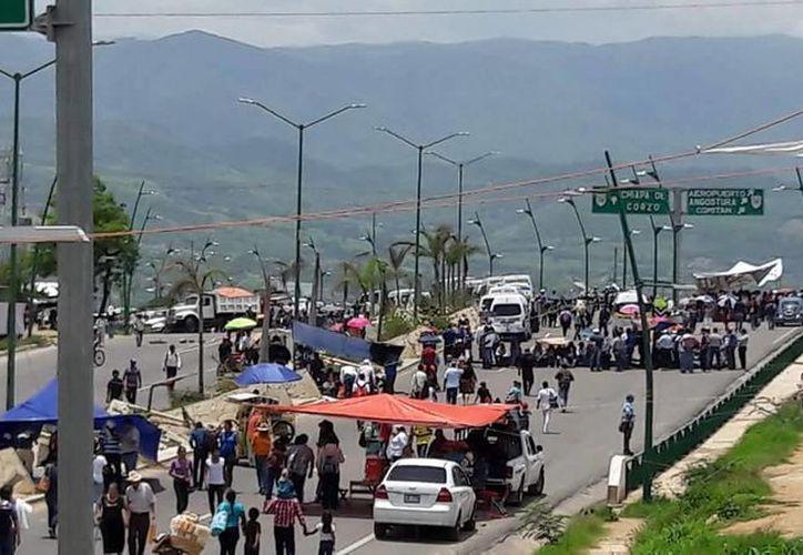 Los maestros en Chiapas tienen detenidos todos los procesos administrativos como son las inscripciones (@cnte_7)