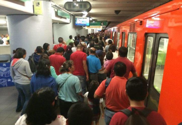 Actualmente el Metro es utilizado por casi cinco millones de mexicanos cada día. (Notimex)
