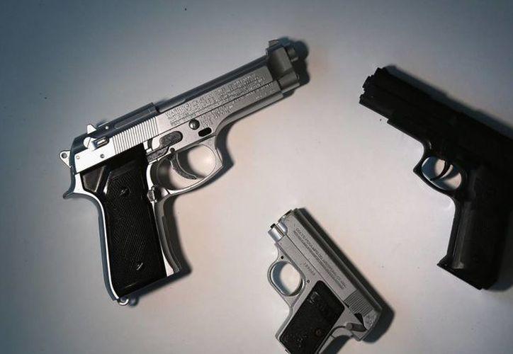 Javier Lozano propone tipificar los delitos cometidos con armas de fuego. (ytimg.com)