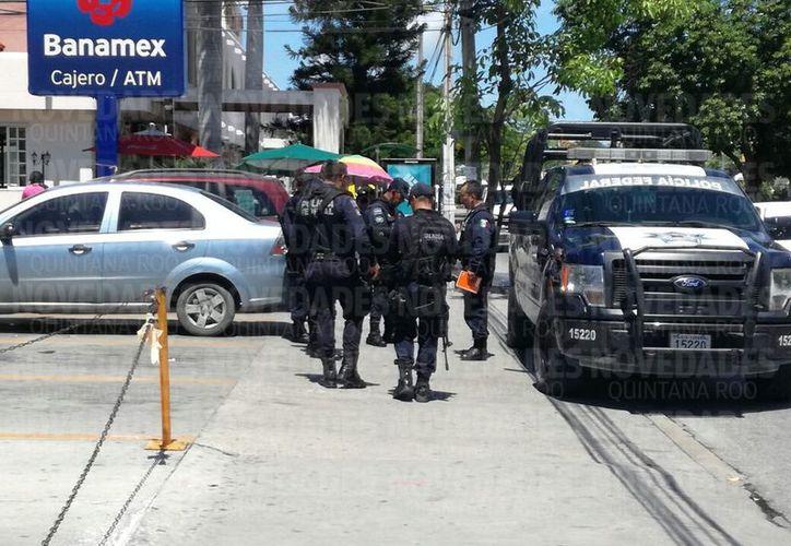 Al lugar arribaron elementos de la Policía Municipal para realizar las investigaciones pertinentes. (Sergio Orozco).