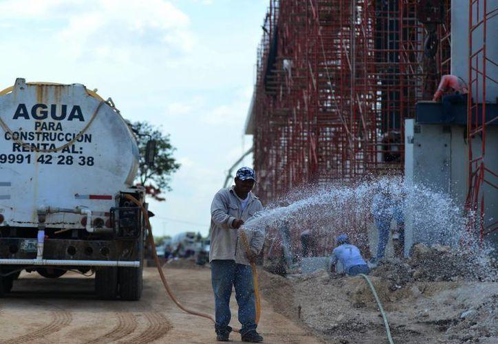 Se espera que hoy las lluvias de nuevo hagan acto de presencia en Yucatán. (Luis Pérez/SIPSE)