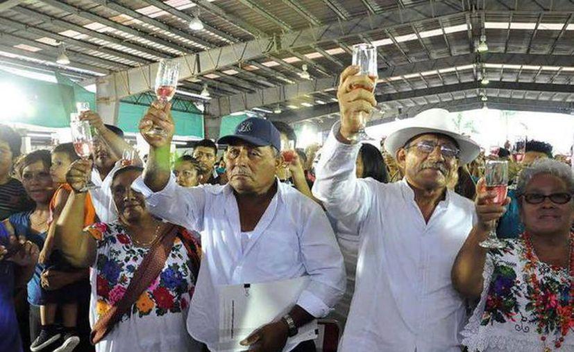 Bodas colectivas, que se efectuará el próximo día 30 y tendrá como testigos a la gente que ese día visite el recinto. (Foto: Milenio Novedades)
