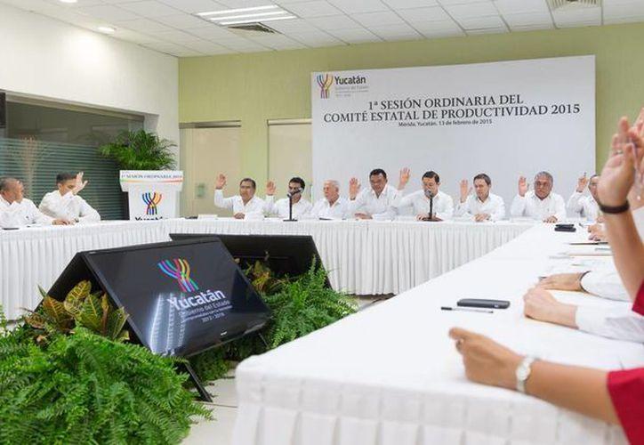 La primera sesión ordinaria del Comité Estatal de Productividad se realizó en la Dirección General de Relaciones Públicas del Gobierno del Estado de Yucatán. (SIPSE)