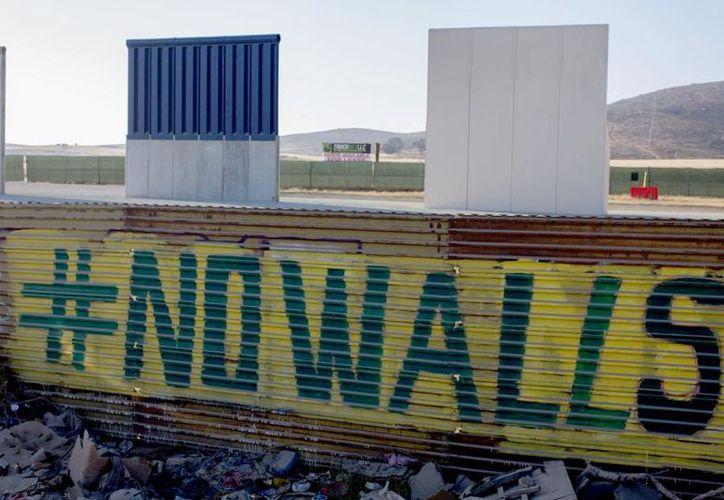 Los donantes afirman que puedo financiar la construcción del muro sin necesidad de una partida especial del Congreso. (Univisión)