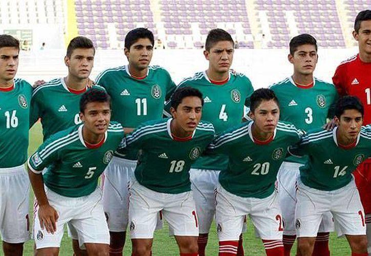 El americanista de 19 años, Omar Govea (18), está desde ahora a préstamo con el Porto. En la foto con la selección mexicana sub 17. (jfs.mx)