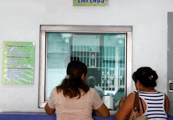 Los establecimientos sancionados deberán tener visible las tasas de interés que cobran para evitar más sanciones por parte de Profeco (Archivo/SIPSE).