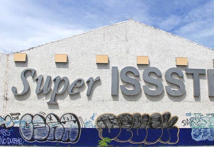 El inmueble se ubica en la Región 93, en la avenida Miguel Hidalgo o Ruta 5. (Jesús Tijerina/SIPSE)