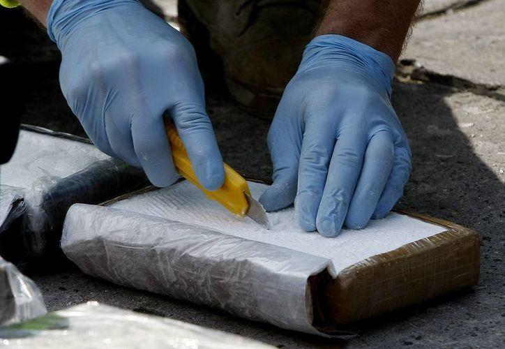 La droga decomisada estaba escondida dentro de una vivienda en Lima, Perú. Imagen con fines ilustrativos, no corresponde a la nota. (Archivo EFE)