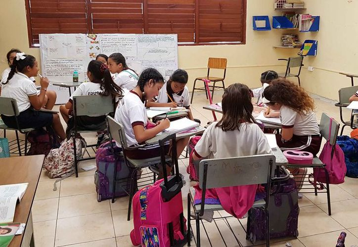 La SEQ contempla a los alumnos que pudieran ingresar por primera vez en algunos planteles educativos. (Jesús Tijerina/SIPSE)