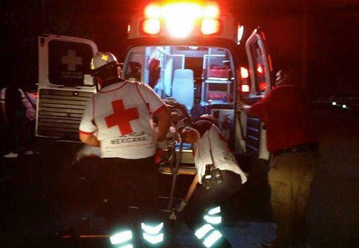 El hombre atropellado en el bulevar Playa del Carmen la noche del lunes, está grave en el hospital. (Redacción/SIPSE)