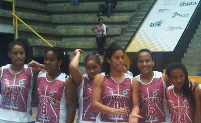 Previo a su encuentro en Cancún, el grupo de 18 chicas venezolanas demostrarán que tienen la habilidad para representar a su país, sólo 12 tendrán el privilegio. (Foto de Contexto/Internet)
