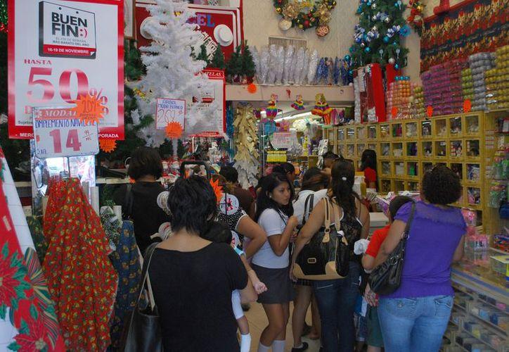 Alertaron a los compradores a analizar a profundidad la relación calidad, precio y beneficio de los productos. (Tomás Álvarez/SIPSE)