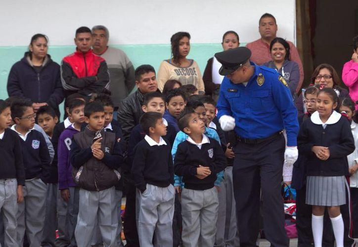 La SEP indicó que los equipos, talleres, instalaciones y libros de texto estuvieron listos a tiempo para iniciar las actividades del nuevo ciclo escolar. (Notimex)