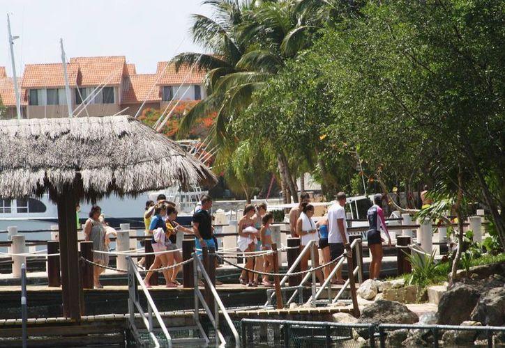 Prestadores de servicios turísticos afirman que aunque actualmente hay poca afluencia de visitantes, sus ganancias se han incrementado. (Octavio Martínez/SIPSE)