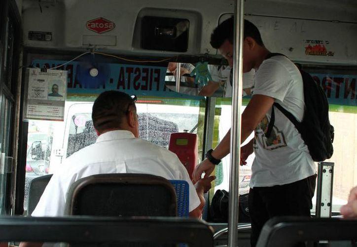 La tarifa de estudiantes con credencial deberán ser respetadas por los choferes de transporte público. (Milenio Novedades)