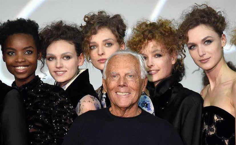 El diseñador Giorgio Armani anunció este lunes que su casa de modas abolirá el uso de pieles en sus productos. (Archivo de EFE)