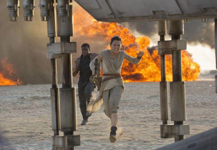 La espera para los fans de Star Wars está a punto de terminar con la llegada de la nueva entrega a los cines. (AP)