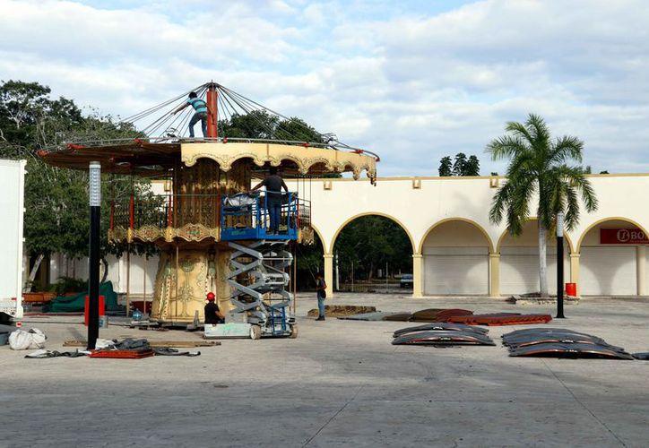 Elementos de Procivy verifican instalaciones de la feria. ( Foto: José Acosta)
