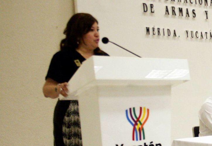 La fiscal estatal Celia Rivas Rodríguez afirmó que se evalúa el estado físico, mental, entorno social y  financiero de los agentes. (Milenio Novedades)